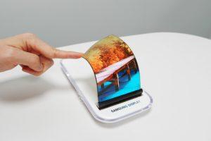 مجله خبری ایشومر ea4b97c6-11cc-43b1-bfc4-5da8c430a242-300x200 تصاویری از گوشی منعطف سامسونگ تكنولوژي موبایل و تبلت  لنز دوربین دکمه تصاویری .گوشی. منعطف. سامسونگ Samsung Home