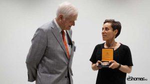 مجله خبری ایشومر mirzakhani_award_mag-eshomer-300x169 مریم میرزاخانی اولین زنی بود که جایزهی فیلدز را از آن خود کرد. داستان موفقیت موفقیت  میرزاخانی مریم فیلدز زن ریاضی جایزهی اولین المپیاد استعداد Ruth Lyttle Satter Peter Scholze CMI