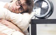اگر به خواب نمیروید بیش از ۱۰ دقیقه در رختخواب نمانید
