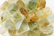 سنگ توپاز زبرجد خواص آن در درمان کم اشتهایی و چاقی