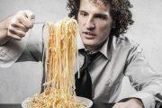 ماکارونی یکی از علت های اصلی نفخ شکم