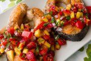تهیه و پخت انواع غذاهای ایتالیایی _ ماهی سالمون گریل شده با سس هلو