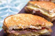 تهیه و پخت انواع غذاهای ایتالیایی _ پنینی ژامبون گوشت با پنیر فونتینا و زیتون