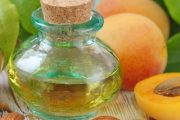 هسته و برگ و روغن زردآلو در میوه درمانی