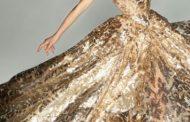 اثرات روانی رنگها در طراحی مد و لباس، رنگ طلایی