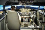فرود موفق شبیهسازی شده  هواپیمای 737 به وسیله روبات