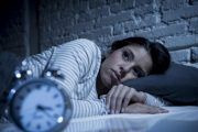 علت های رایج روانی و پزشکی بی خوابی در افراد