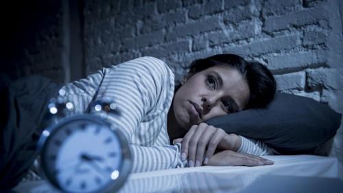 مجله خبری ایشومر علتهای-رایج-روانی-و-پزشکی-بی-خوابی-در-افراد-مجله-خبری-ایشومر علت های رایج روانی و پزشکی بی خوابی در افراد سبک زندگي سلامت و پزشکی  علت بی خوابی اختلالات خواب