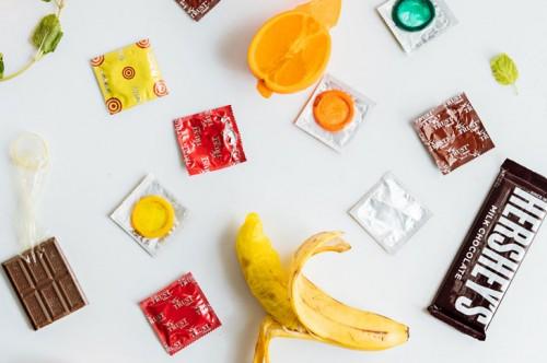 مجله خبری ایشومر آشنایی-و-موارد-استفاده-از-کاندوم-طعم-دار-در-روابط-زناشویی-مجله-خبری-ایشومر آشنایی و موارد استفاده از کاندوم طعم دار در روابط زناشویی سبک زندگي سلامت و پزشکی  کاندوم طعم دار کاندوم خرید کاندوم جلوگیری از بارداری