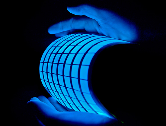 مجله خبری ایشومر IMG_2580 نمايشگرهاي انعطاف پذير OLED تكنولوژي نوآوری نمايشگر موبايل مجله كننده غيرعامل عناصر سامسونگ ساطع تلوزيون تلفن تكنولوژي باريك ايشومر انعطاف پذير ارگانيك OLED