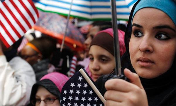 مجله خبری ایشومر 76145889_84124506edcec مایکروسافت به طرح جمع آوری اطلاعات مسلمانان آمریکا اعتراض میکند تكنولوژي نوآوری مسلمانان مدیرعامل مایکروسافت کمپانی ساتیا نادلا دولت جاسوسی تکنولوژی ترامپ اطلاعات