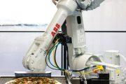نوآوریهای دنیای پیتزا روباتهای سرآشپز وارد میشوند.