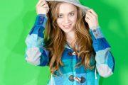 تاثیر زمینه های مختلف رنگی بر رنگ ها در طراحی مد و لباس