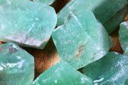 سنگ کلسیت سبز و خواص درمانی آن دربهبود سیستم اعصاب