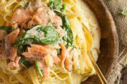 تهیه و پخت انواع غذاهای ایتالیایی _ پاستا فتوچینی با ماهی سالمون و اسفناج
